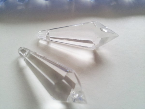 1 TRAY OF 72 CHANDELIER GLASS PENCIL DROPS 38MM