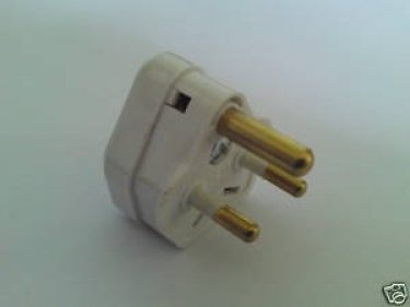 round 3 pin plug - 5 amp - in white